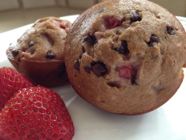 strawberry chocolate chip muffine