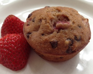 strawberry chocolate chip muffins2